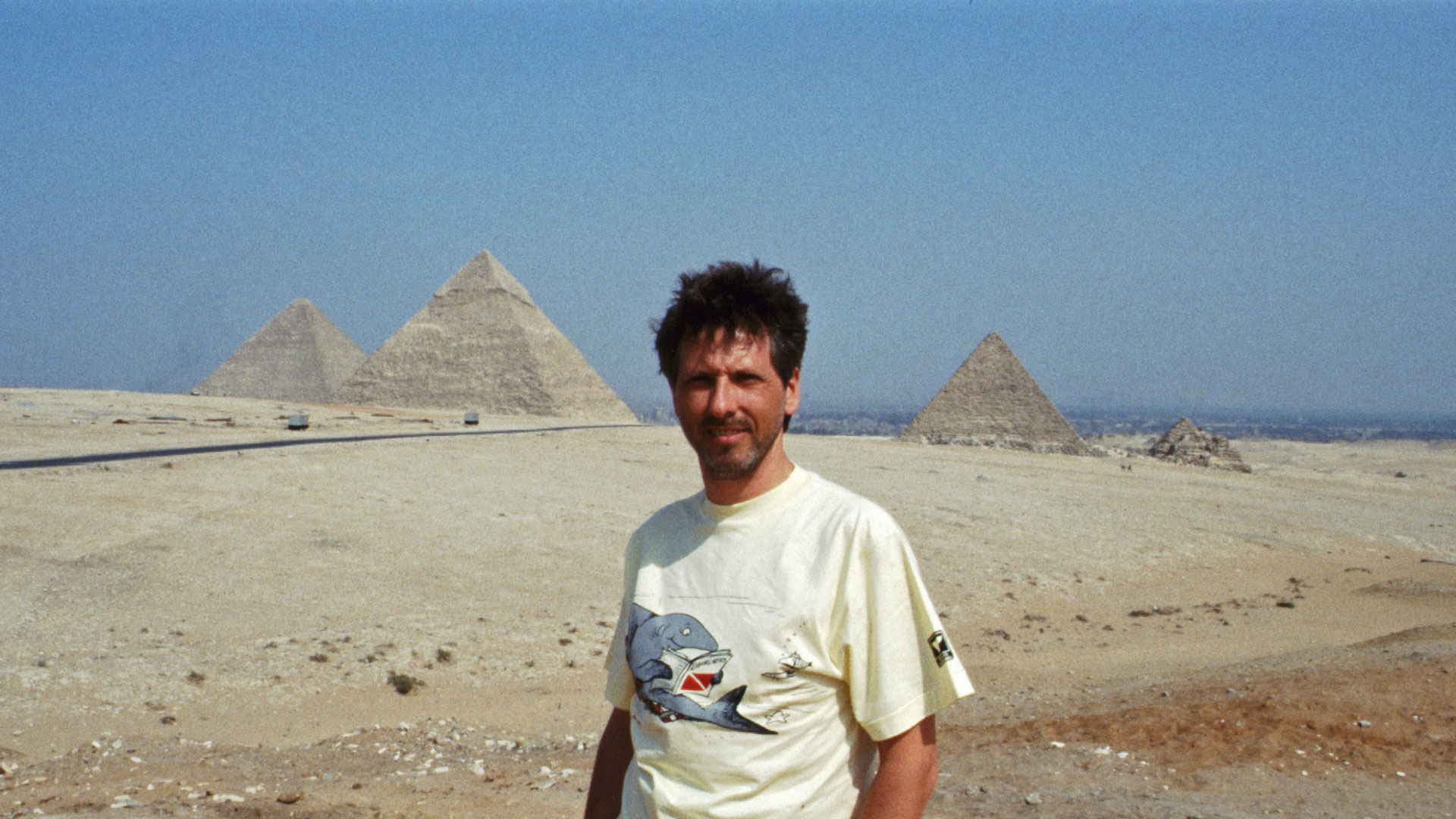 Gregor Spörri at the Giza Pyramids (1988).