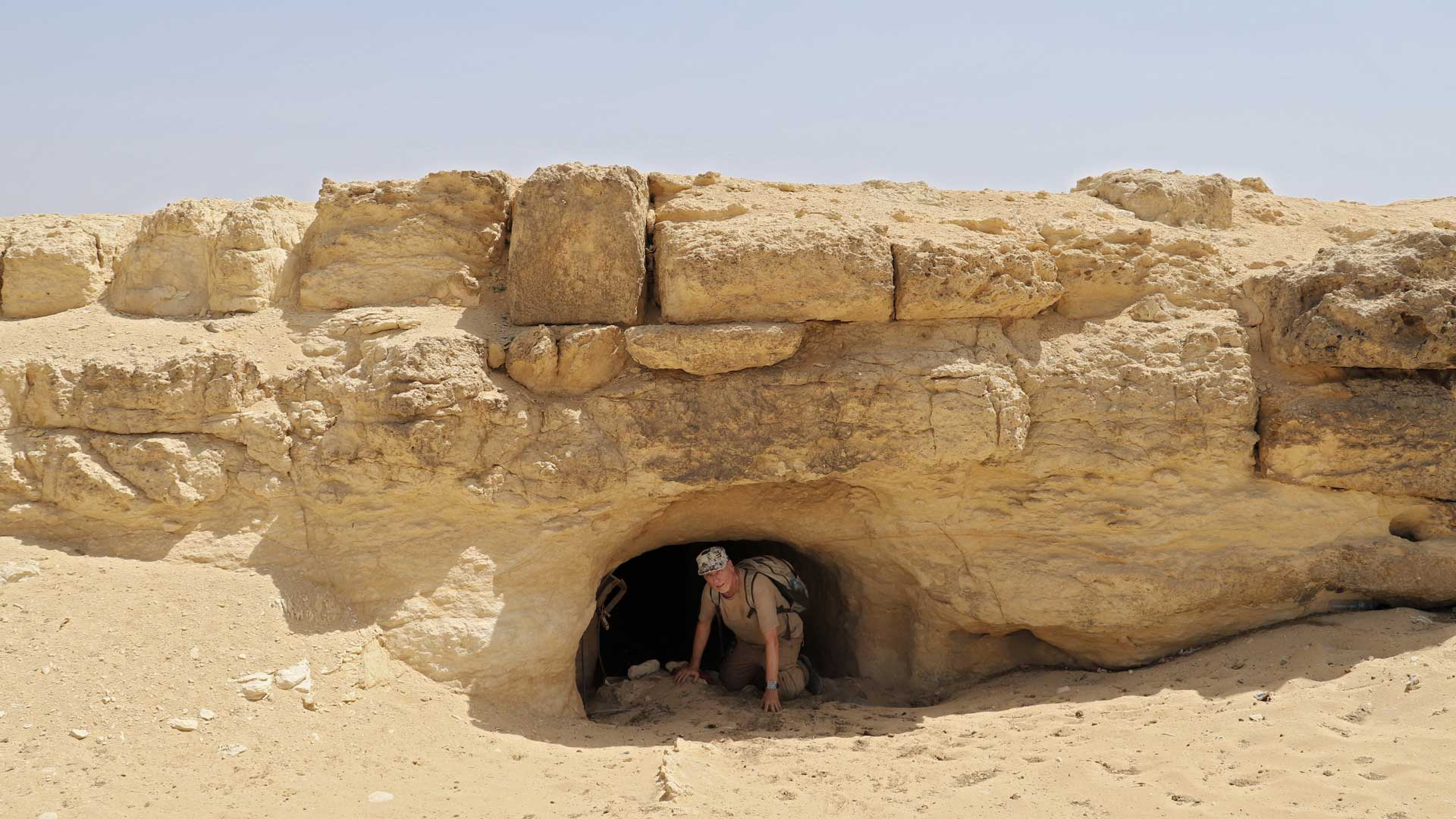 Gregor Spörri at the north-side entrance under the Causeway to the Pyramid of Chepren.