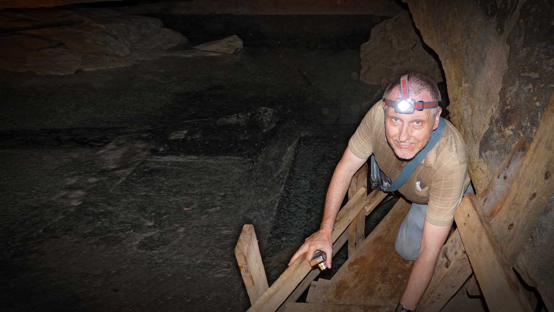Gregor Spörri erkundet die Ebene / Kammer drei.