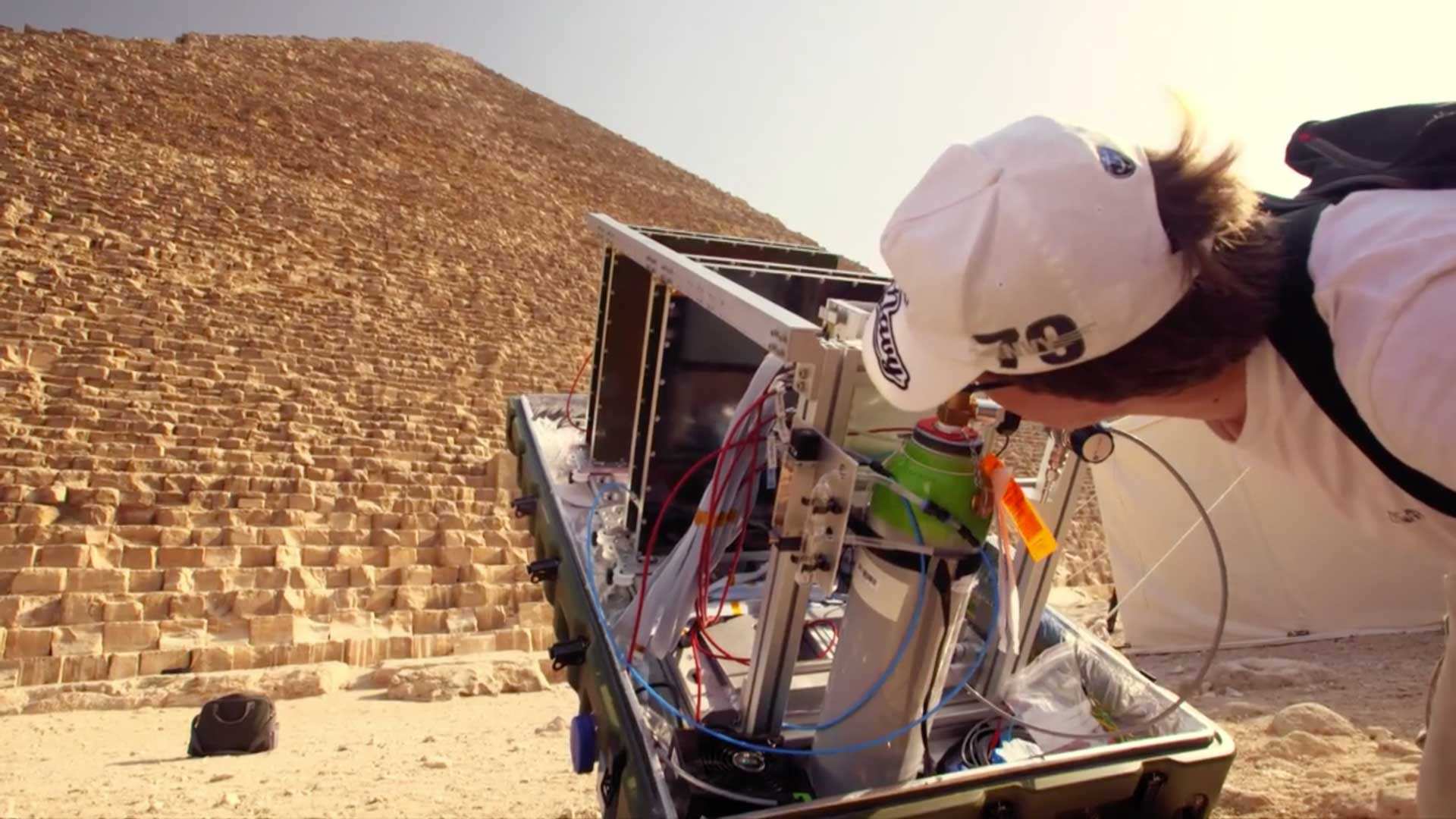 The CEA Muon telescope from Scan-Pyramids consists of 4 gas detectors installed in series. These capture the electrical signal that occurs when a muon passes through the pyramid (Image: © ScanPyramids)
