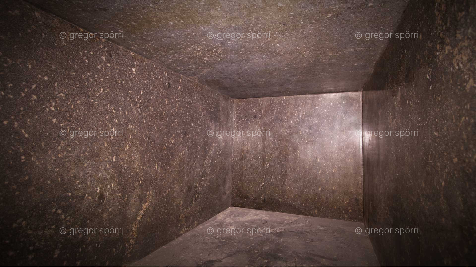 The interior of the sarcophagi is lightning-clean except for dust deposits