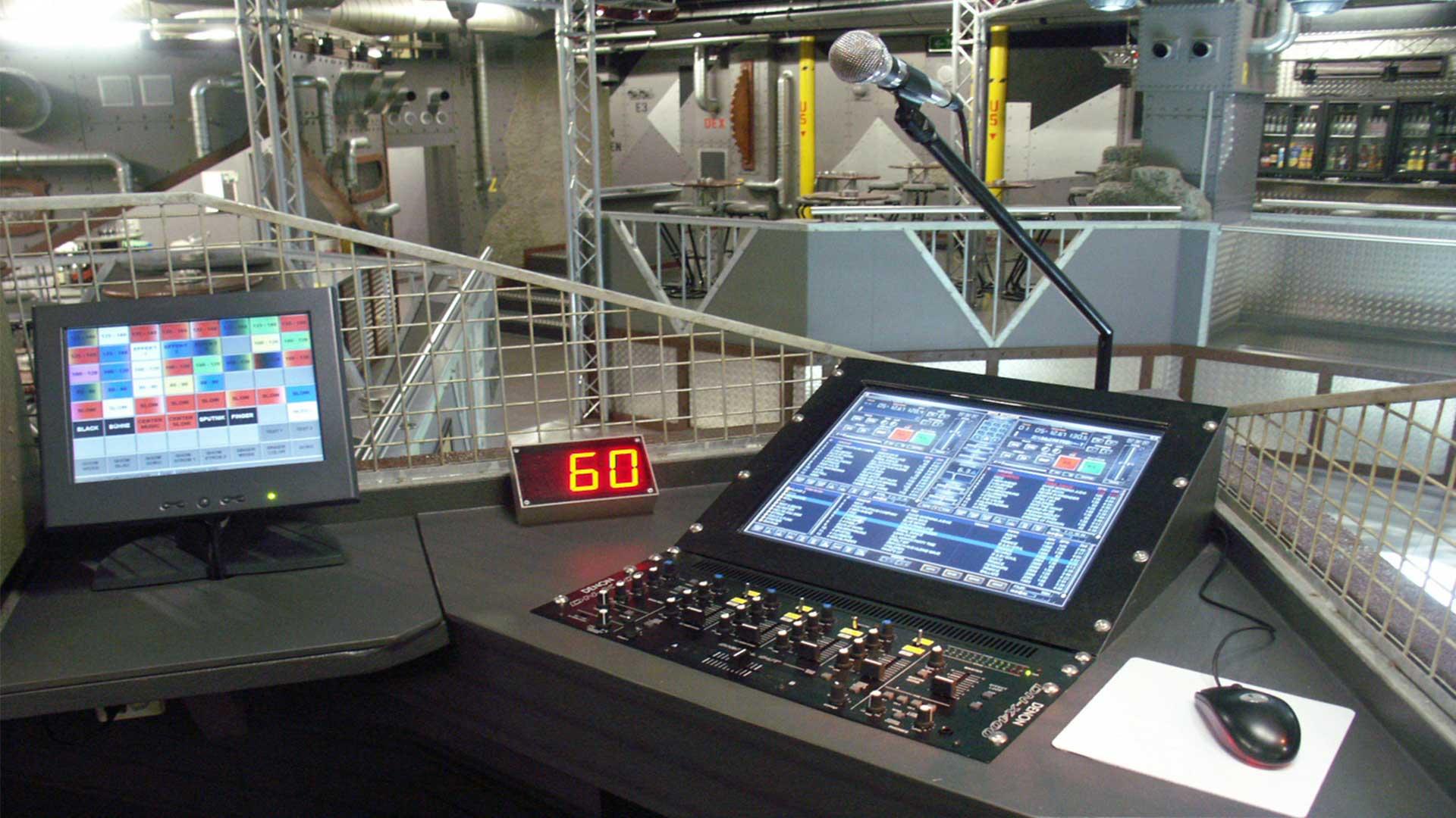 Mad Max, Basel, Floor 1, Dancefloor, Deejay Workstation.