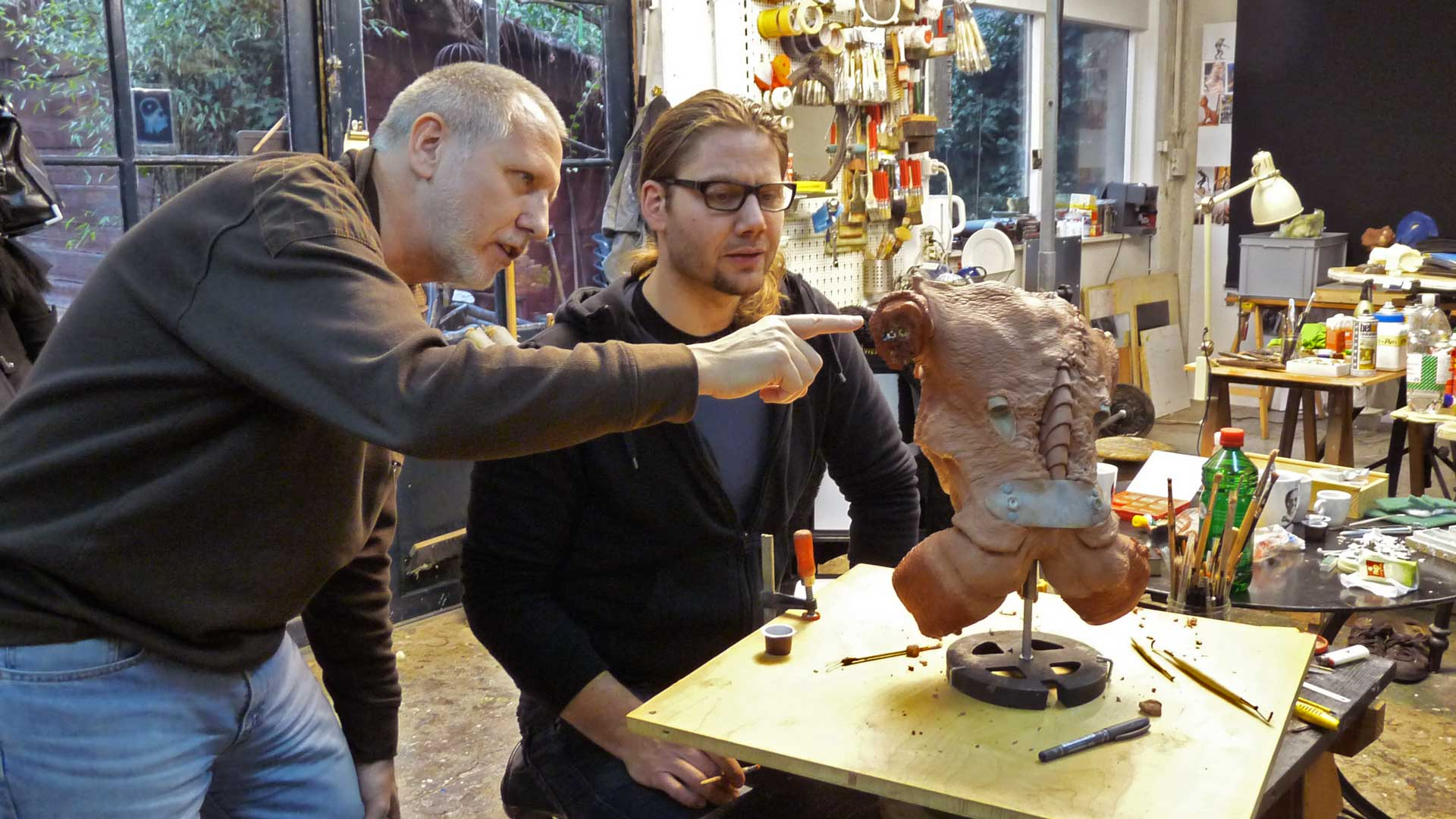 Gregor Spörri and George Steiner from Blendwerk Basel are working on an alien figure.