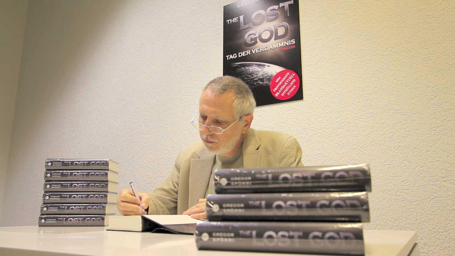 Author Gregor Spörri signing his novel LOST GOD.