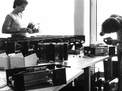 Z-Productions fabriziert das weltweit einzige Color-Changer-Stroboskop.
