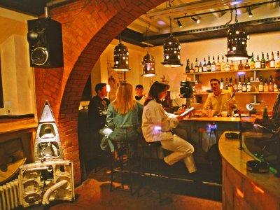 Z-Productions designt und baut Themen-Disco im Club 59 (1995).