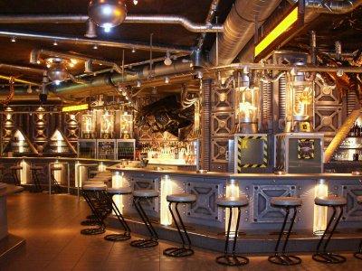 Alien-Floor: Disco-Club Mad Max Basel.