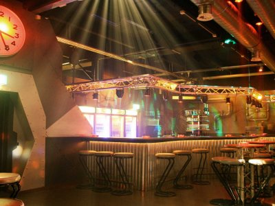 Z-Productions modernisiert Bar im Disco-Club Mad Max Basel.